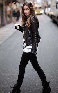 2黒のレザージャケット×黒デニム×白黒ボーダーT