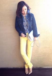7黄色パンツ×グレーTシャツ×Gジャン