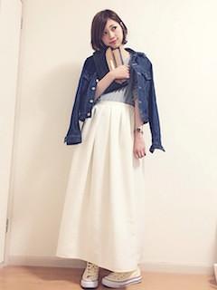 2白マキシ丈スカート×Gジャン