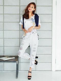 11白Tシャツ×白ユーズドデニムパンツ