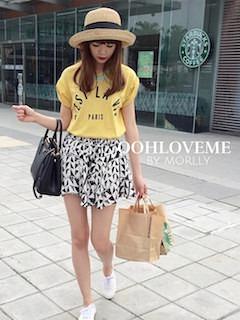 9黄色Tシャツ×アニマル柄ミニスカート