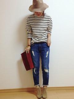 10ベージュのブーティ×ボーダー長袖×ジーンズ