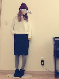 5ブーティ×タイツ×白ニット×タイトスカート