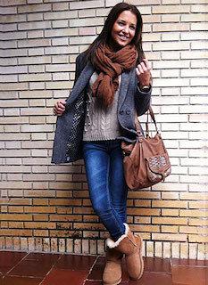 Pコートを秋冬に着こなすポイント(ニット)