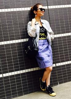 3ナイロンジャケット×プリントTシャツ×タイトスカート
