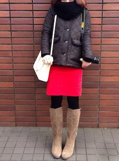 1キルティングジャケット×タイトスカート×ロングブーツ