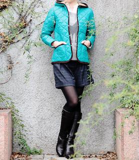 3キルティングジャケット×セーター×ショートパンツ