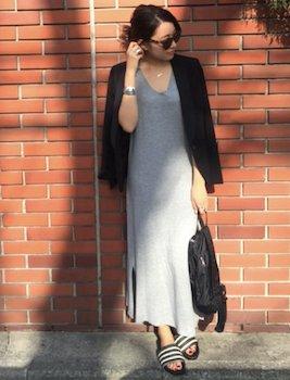 4黒のサマージャケット×マキシワンピース