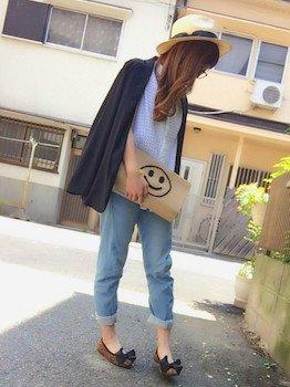 3黒のサマージャケット×ブラウス×ジーンズ