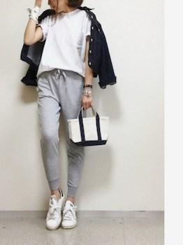 7ユニクロのジョガーパンツ×白Tシャツ×Gジャン