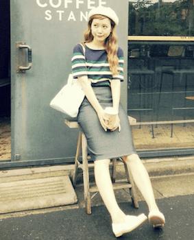 3春夏のボートネックTシャツ×タイトスカート×ベレー帽子