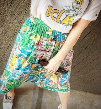 8キャラTシャツ×マリン柄スカート×スリッポン