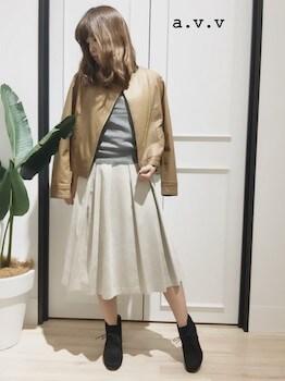 スエードスカート×レザージャケット×レースアップブーツ
