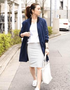 ロングMA1×白シャツ×タイトスカート×スリッポン