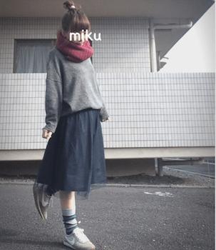 スヌード×ニットセーター×チュールスカート