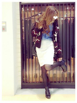 カウチンニット×カラーシャツ×タイトスカート