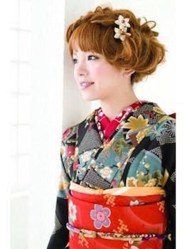 9卒業式で袴に合う編み込みカチューシャのショート・ボブの髪型