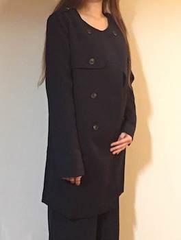 ベーシックなレディースに人気のノーカラーのスプリングコート