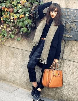 身長が低い人のチェスターコート(ミディアム丈)の選び方3ファッション小物選び