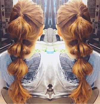 入学式でスーツに合うロングの髪型で玉ねぎポニーテールの髪型