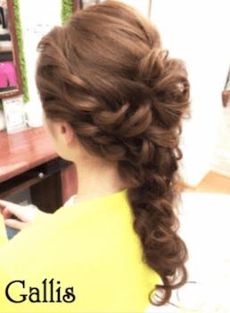 入学式でスーツに合うロングの髪型で崩しフィッシュボーンの髪型