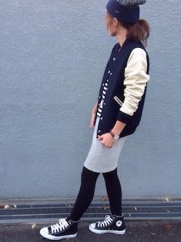 タイツ×スタジャン×タイトスカート