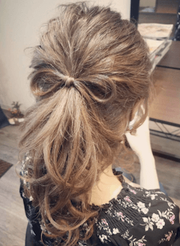 結婚式で人気のミディアムの地毛リボンの髪型