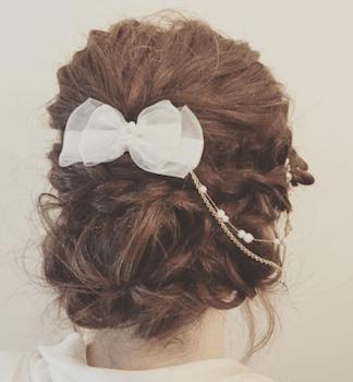 結婚式で人気のボブの髪型3:リボンバレッダ