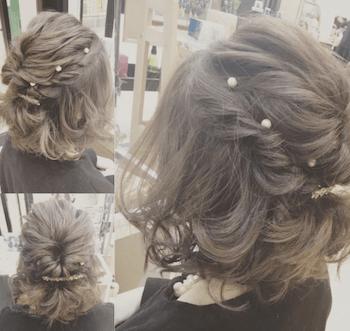結婚式で人気のボブの髪型11:パールピン&ハーフアップ