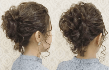 結婚式で人気のミディアムの巻き髪アップの髪型