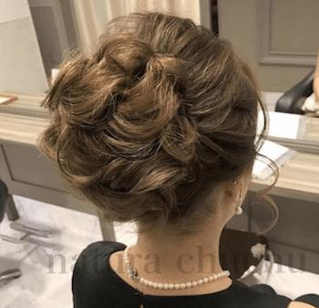 結婚式で人気のミディアムのボリュームアップの髪型