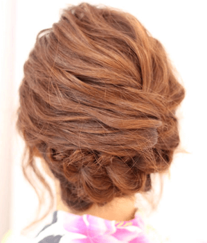 3浴衣に合うレディースの流し三つ編みアップのセミロングの髪型