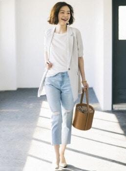 おしゃれに夏服を着こなす方法2:サマージャケットを羽織る
