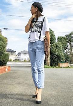 9スウェットTシャツ×ジーンズ×パンプス