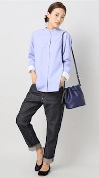 バンドカラーシャツのレディースのおしゃれなコーデ方法4:デニムパンツと合わせる