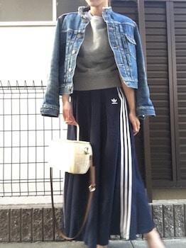4スウェットTシャツ×Gジャン×サイドラインスカート