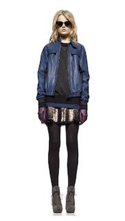7青のレザージャケット×ミニスカート×ショートブーツ