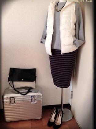 8白のダウンベスト×グレートレーナ×ボーダースカート