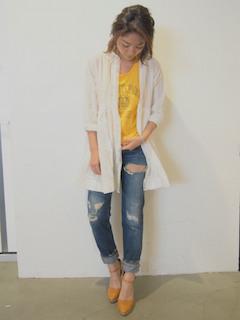 10白のシャツ×デニム×黄色Tシャツ