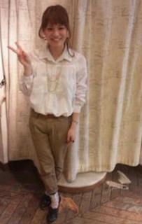 4白シャツ×チノパン×黒革靴
