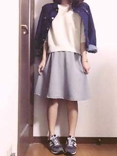 5グレーフレアスカート×Gジャン×白トップス