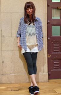 6ギンガムチェックシャツ×ショートパンツ×柄プリントTシャツ