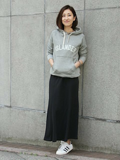 7春、ロング・マキシ丈スカート×パーカートレーナー
