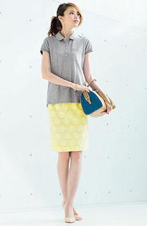 夏ポロシャツ×黄色タイトスカート
