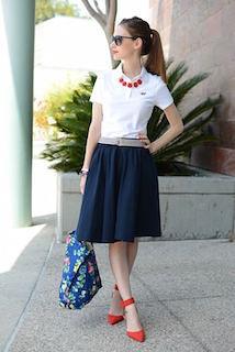 夏ポロシャツ×ネイビーフレアスカート