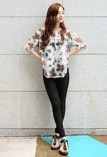6花柄Tシャツ×黒レギパン