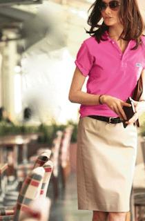 5ピンクのポロシャツ×タイトスカート×ベルト