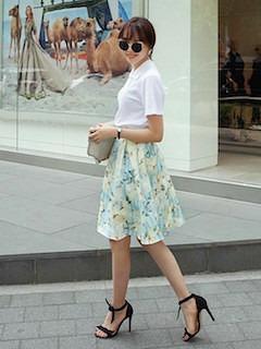 夏ポロシャツ×花柄フレアスカート