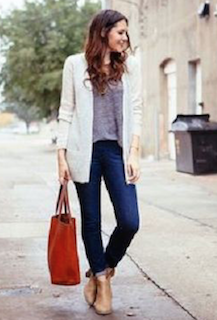 6白のカーディガン×無地Tシャツ×ストレートデニムパンツ