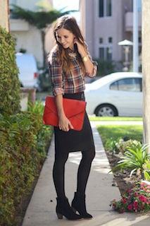 7黒のショートブーツ×チェックシャツ×タイトスカート